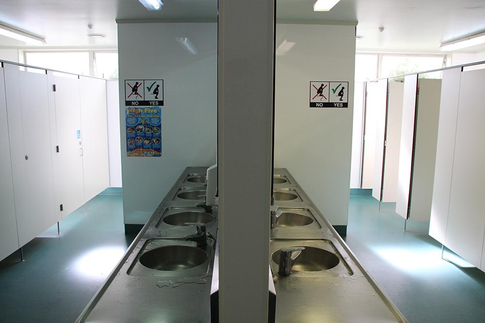 kiwi-corral-toilet