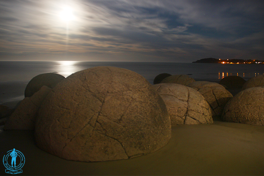 moeraki-boulders-night-3