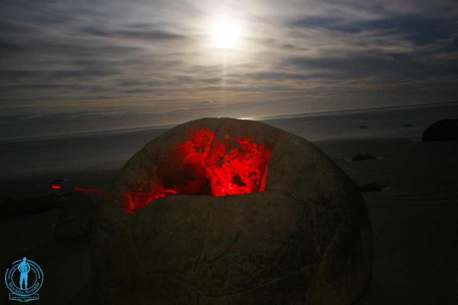 moeraki-boulders-night-4